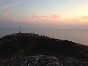 Pilger am Gipfelkreuz