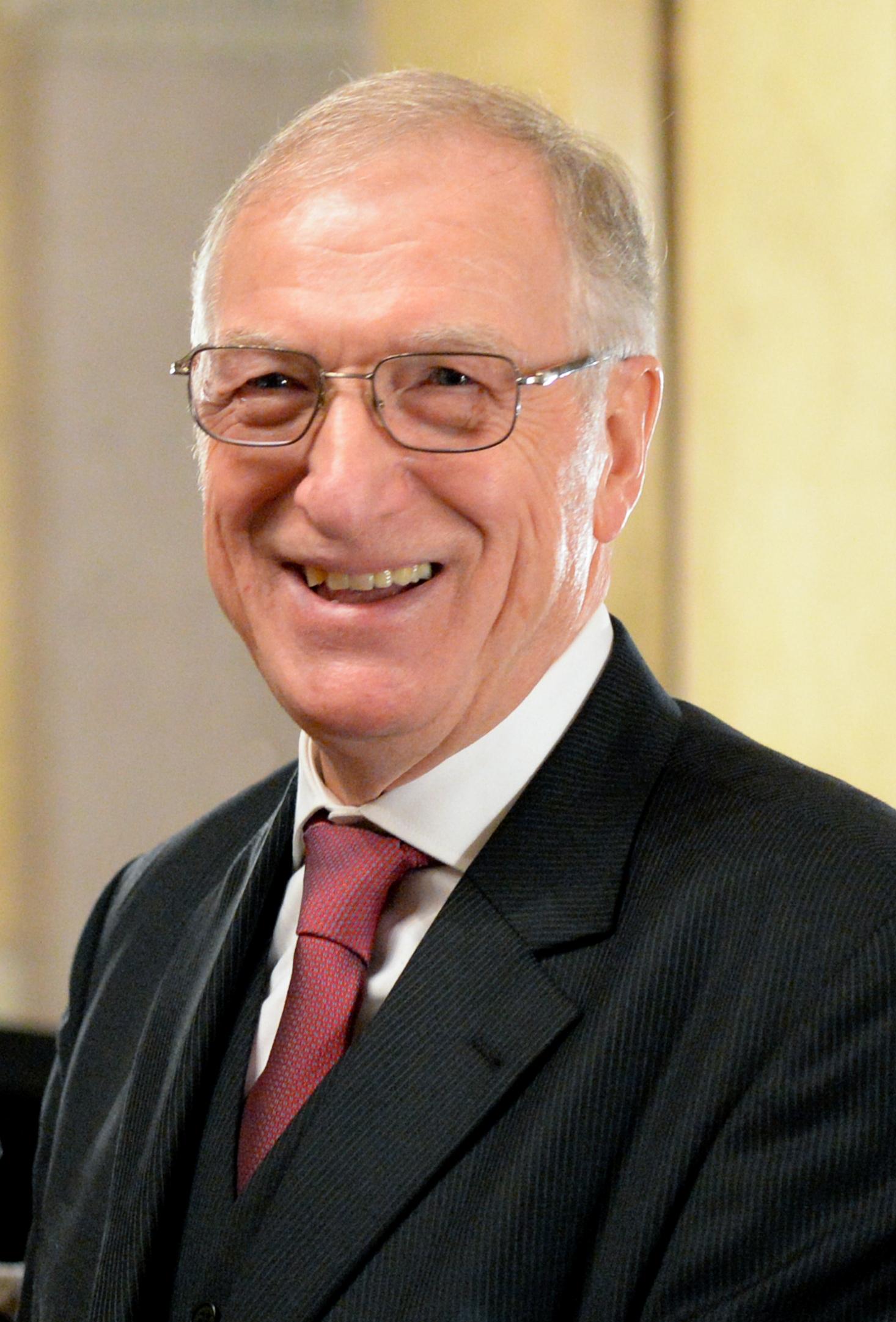 Dr. Johann Hisch