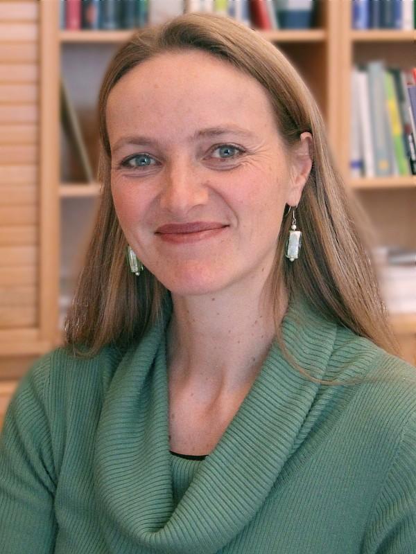 Dr.in Magdalena M. Holztrattner